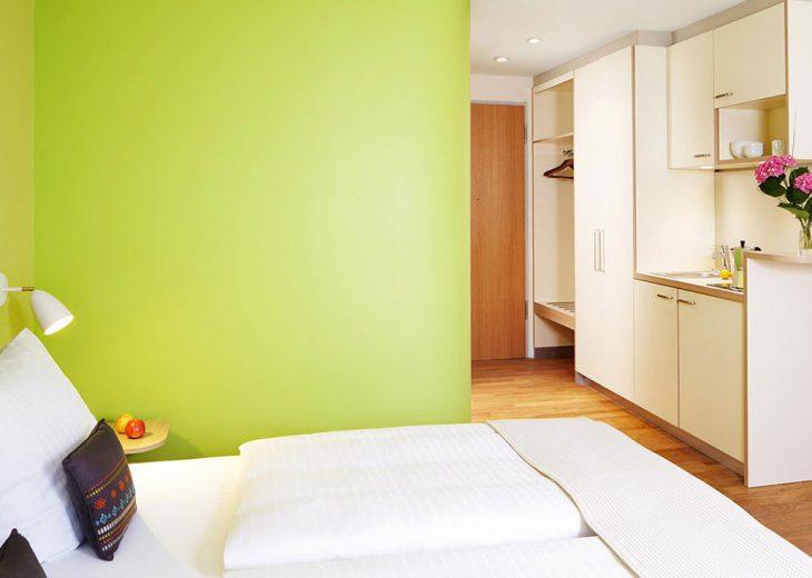 FLOTTWELL BERLIN Hotel - Zimmer-Ansicht - Kitchenette
