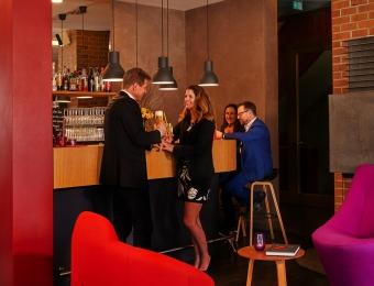 FLOTTWELL BERLIN Hotel & Residenz am Park - Lobby - Bar
