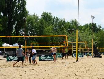 FLOTTWELL BERLIN Hotel - Park am Gleisdreieck - Volleyball-Feld