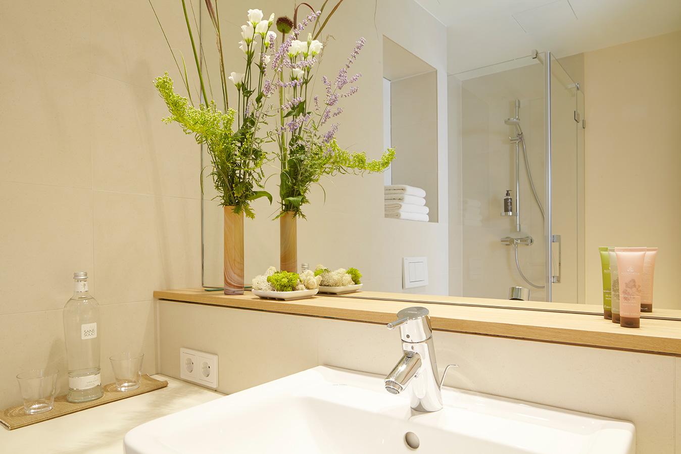 FLOTTWELL BERLIN Hotel - Badezimmer