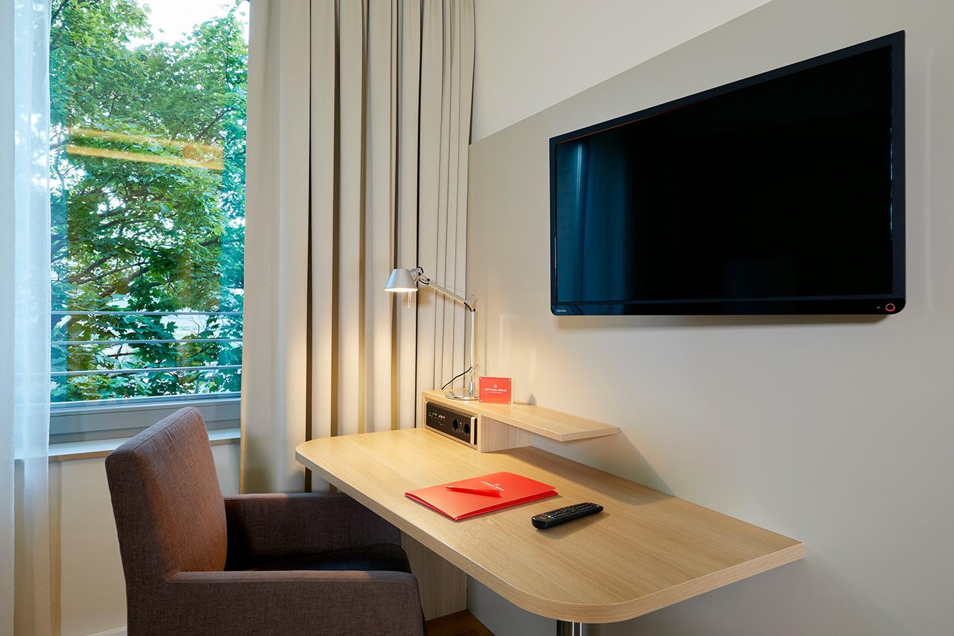 FLOTTWELL BERLIN Hotel - Schreibtisch