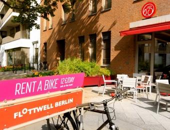 FLOTTWELL BERLIN Hotel & Residenz am Park - View of the terrace