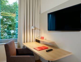 FLOTTWELL BERLIN Hotel - Desk