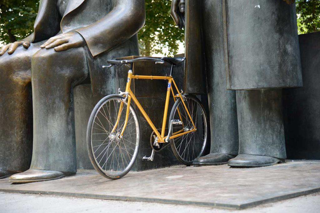 FLOTTWELL BERLIN Hotel - Fahrradstadt Berlin - Marx-Engels-Forum