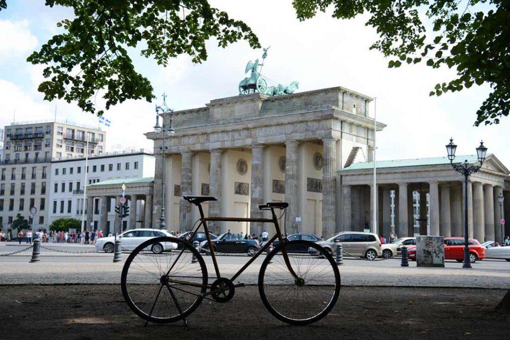 FLOTTWELL BERLIN Hotel - Fahrradstadt Berlin - Brandenburger Tor