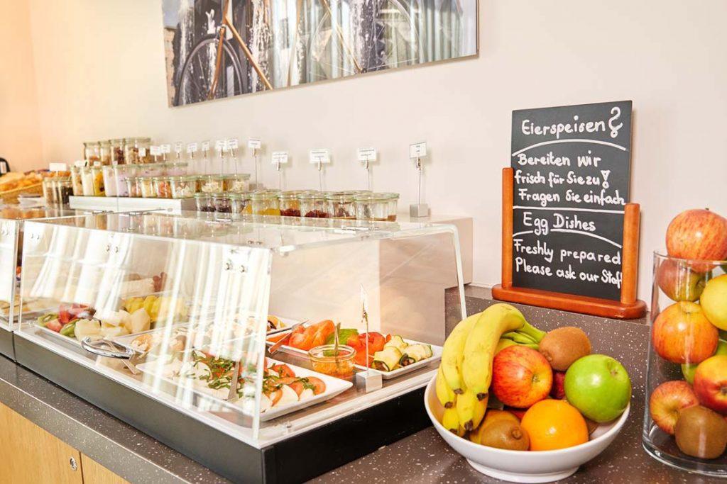 FLOTTWELL BERLIN Hotel - Frühstücksbuffet