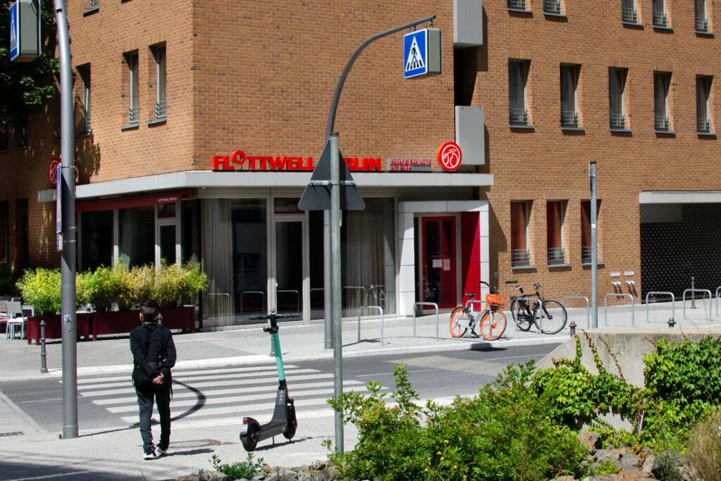 FLOTTWELL BERLIN Hotel - Ansicht Eingang