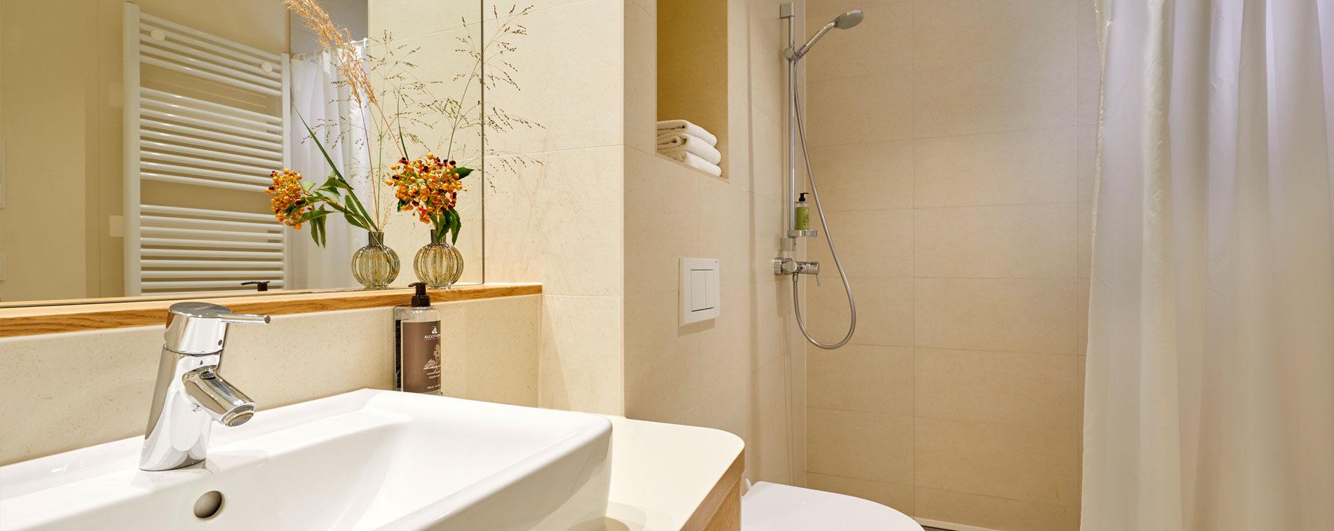 FLOTTWELL BERLIN Hotel - Ansicht Badezimmer