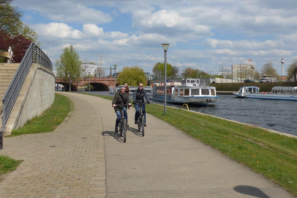 Tour de FLOTTWELL BERLIN Hotel – die Fahrrad Trasse Numéro 1